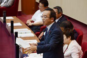高島市長による「戦争展」名義後援取消を追及